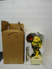 VINTAGE RAID NOVELTY ROACH PUSH BUTTON TELEPHONE CHIRPS WHEN DIALED w/ box