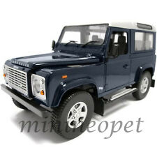 UNIVERSAL HOBBIES 3888 LAND ROVER DEFENDER 90 STATION WAGON 1/18 BLUE SILVER