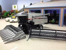 1/64 ERTL AGCO GLEANER C62 COMBINE W/ BOTH HEADS