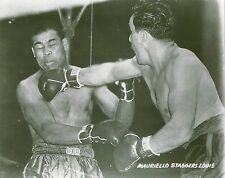 TAMI MAURIELLO STAGGERS JOE LOUIS 8X10 PHOTO BOXING PICTURE
