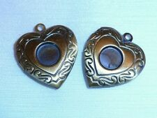 PACK OF 2 ANTIQUE BRONZE PICTURE LOCKETS - HEART SHAPED - 23mm...........P650 *