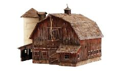 Woodland Scenics [WOO] HO Old Weathered Barn Built Up WOOBR5038