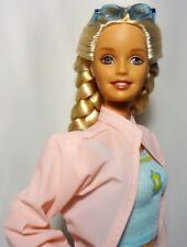 2000 Barbie Rain or Sun Doll in original outfit