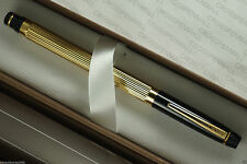 CROSS METROPOLIS BLACK & GOLD ROLLERBALL PEN NEW IN BOX MADE IN UNITED STATES