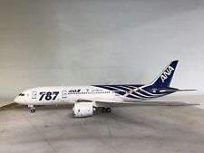 Phoenix 1:200 Boeing 787 ANA JA801A Ref: PH20069 a die cast metal model