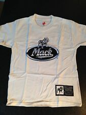 BNWOT Boys Sz 14-16 Genuine Mack Cool White Bulldog Logo Short Sleeve Tee Top