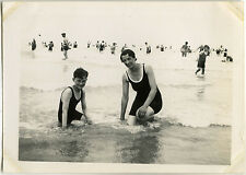 PHOTO ANCIENNE - VINTAGE SNAPSHOT - MER BAIGNEUR BAIN MODE BERCK PLAGE - BEACH
