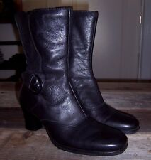 Clarks booties women's black leather heeled Ankle Boots size 7M