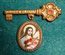 ST THERESE OF LISIEUX Vtg KEY w/ MEDAL BROOCH