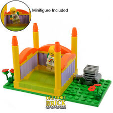 LEGO Bouncy Castle - Fairground Ride - City Park Theme - Includes Minifigure