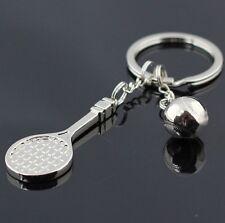 Porte-clés raquette et balle de tennis argenté en acier.