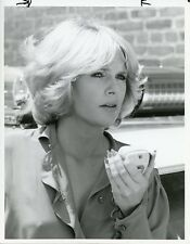 SHARON GLESS ON POLICE CAR RADIO PORTRAIT CAGNEY AND LACEY 1986 CBS TV PHOTO