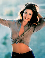 LYNDA CARTER MOVIE AND TV STAR 8X10 PHOTO