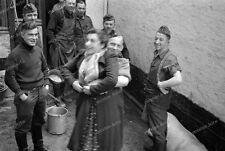 Bäuerin-Feld-Metzger-1940-wehrmacht-34.ID-infanterie-Division-Girl-spass-2