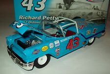 Richard Petty 1957 Oldsmobile Olds #43 Convertible 1/24 NASCAR Diecast Classics