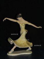 +# A014883_01 Goebel Archivmuster Cortendorf Figur 122, Tänzerin im gelben Kleid