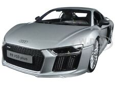 AUDI R8 V10 PLUS SILVER 1/18 DIECAST MODEL CAR BY MAISTO 36213