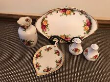 "Royal Albert ""OLD COUNTRY ROSES"" ~ 5 Piece Lot ~ Shakers, Vase, Leaf Dish,"