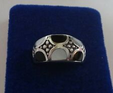 size 8 Sterling Silver 11mm wide top 7 gram Inlay Onyx Mother of Pearl Ring
