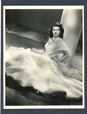 SEXY CYD CHARISSE IN A BEAUTIFUL NEAR MINT 1947 PHOTO - FIESTA MUSICAL