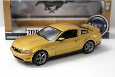 1:18 GreenLight Ford Mustang GT 2010 Coupe oro New en Premium-modelcars