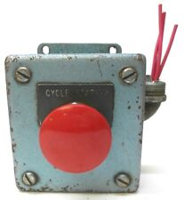 PUSH BUTTON ENCLOSURE WITH 800T-D2 SERIES N RED PUSH BUTTON, 3 1/2 X 3 1/4 X 3