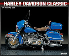 Harley Davidson Classic Motorcycle Plastic Model Kit 1/10 Scale Academy #15501