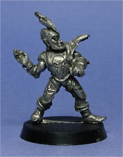 CITADEL - Blood Bowl - 2nd Edition - Dark Elves - Chucker (a) - Metal - 1980s