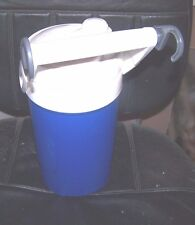 THERMOS HALF GALLON IGLOO  HANGING HOOKS  BLUE AND WHITE WATER BOTTLE
