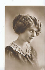 Glamour Postcard - Head and Shoulders of Young Lady - Smiling    MB1708