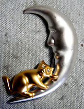 VINTAGE STUNNING SILVER GOLD TONE W/ CRYSTAL CAT ON THE MOON PIN BROOCH