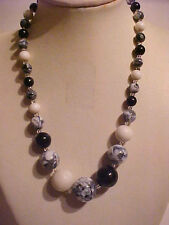 Vintage Marble Necklace Black & White Graduated White Milk Glass Necklace 16""