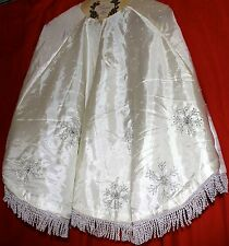 CHRISTMAS TREE SKIRT FULLY LINED IVORY COLOR SILVER BEADED CHRISTMAS TREE SKIRT
