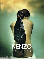 PUBLICITE ADVERTISING 116  2002  Kenzo  collection foulards