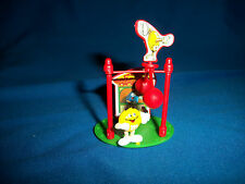 M&M's BALANCING ON HIGH WIRE SCENE Yellow Figurine CARNIVAL FAIR Pocket Surprise