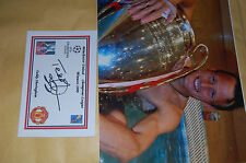 TEDDY SHERINGHAM MAN UND EURO CUP 1999 10X8 PHOTO WITH  SIGNED WHITE  CARD 2