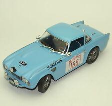 Revell Klassiker 8873 Triumph TR4 Rallye Sportwagen in blau lackiert, 1:18, W003