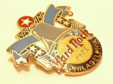 PHILADELPHIA LIBERTY BELL  HARD ROCK CAFÉ PIN B11-40  Logo - Hard Rock 2 Lines