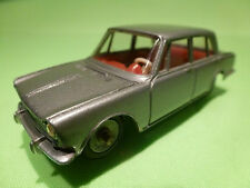 DINKY TOYS 1:43 - SIMCA 1600    NO= 523   -  RARE - IN NEAR MINT CONDITION .