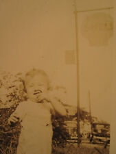 ANTIQUE GAS STATION SIGN AMERICAN NOSE PICKERS CUTE KID FUNNY PHOTO OCCUPATIONAL