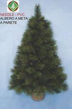 Albero di natale classico verde a meta' da parete altezza 120h
