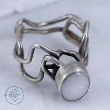 Silver Plated - Artisan Wire Wrapped Bezel Set MOP 4.7g - Ring (5.25)