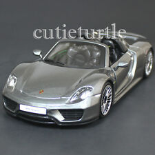 Bburago 18-24076 Porsche 918 Spyder 1:24 Diecast Model Car Grey