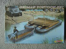 Shanghai/Dragon 1/35 German WWII Pontoon Set and Assault Motor Boat