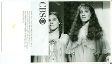 YOUNG SARAH JESSICA PARKER AMY LINKER NIGHTGOWNS SQUARE PEGS 1982 CBS TV PHOTO