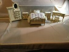 LOVELY 12thSCALE DOLLS HOUSE MINIATURE 'SHABBY CHIC' 6 PIECE CREAM BEDROOM SUITE