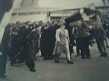 magazine picture 1956 pozan street poland rioting E demonstrators with the natio
