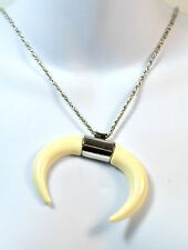 ELEGANT SILVER WHITE BULL HORN NECKLACE UNIQUE COOL RETRO BRAND NEW (CL1)