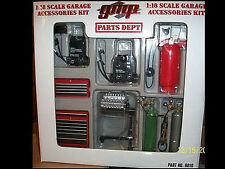 Shop Tool set Welder, compressor, box, tanks, engine stand, etc...1:18 GMP 9010
