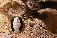 "~Vintage ""Barn Owl"" Cameo~25x18mm Molded Button~White over Black~  ^..^  Rescue"